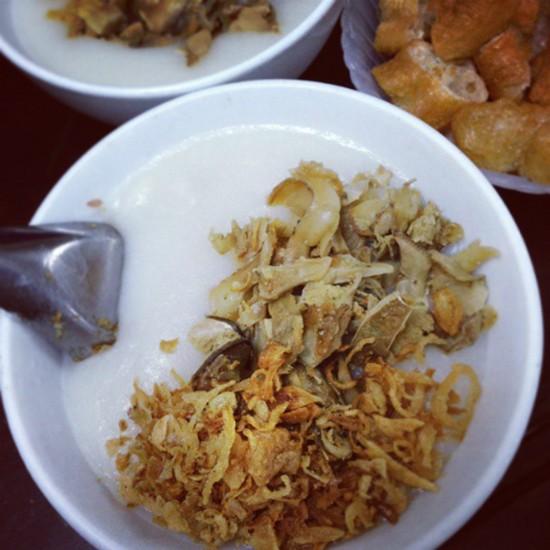 Những quán ăn trên 30 năm đắt khách ở Hà Nội - ảnh 3
