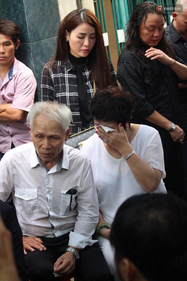 Những giây phút xúc động tiễn đưa Minh Thuận - ảnh 10