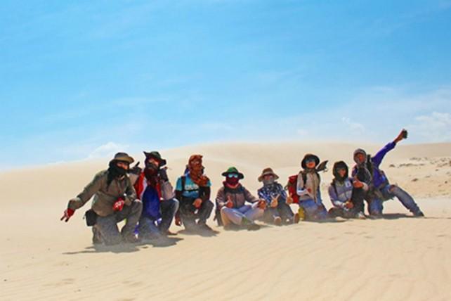 Trekking qua những đồi cát tuyệt đẹp ở Bình Thuận - ảnh 2