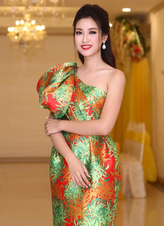 Hoa hậu Mỹ Linh: 'Đâu phải cứ bị chê xấu là đi sửa nhan sắc' - ảnh 1