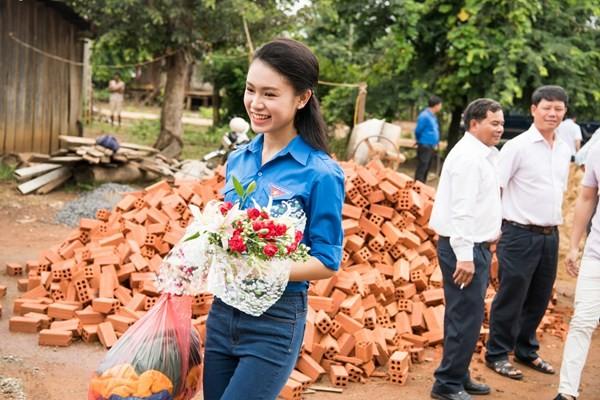 'Nggười đẹp truyền thông' Ngọc Vân tiếp nối dự án nhân ái ở Tây Nguyên - ảnh 8