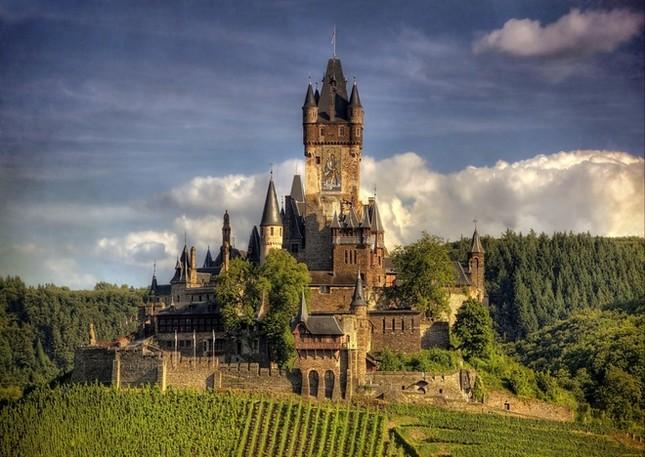 Những lâu đài đẹp nhất thế giới - ảnh 1