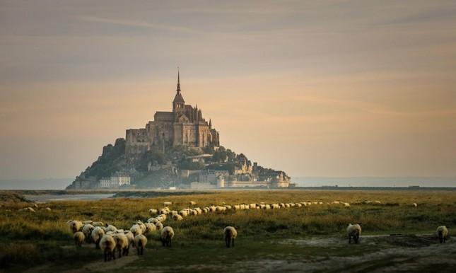 Những lâu đài đẹp nhất thế giới - ảnh 3