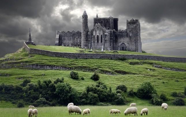 Những lâu đài đẹp nhất thế giới - ảnh 8