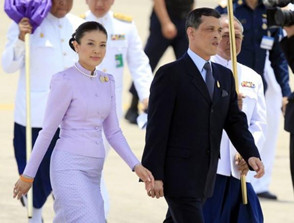 Thái tử nối ngôi Quốc vương Thái Lan là ai? - ảnh 1