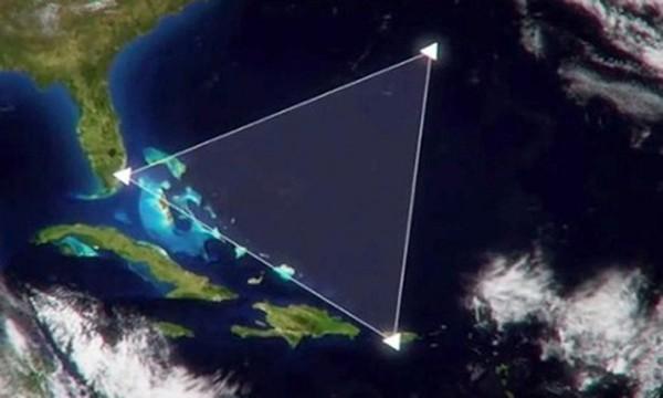 Mây lục giác có thể là thủ phạm gieo kinh hoàng ở Bermuda - ảnh 1