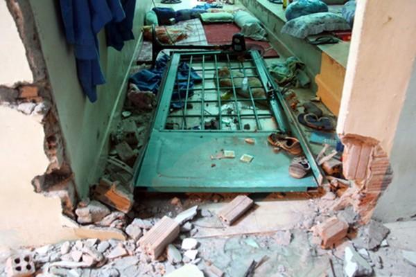Trung tâm cai nghiện tan hoang sau khi bị hơn 500 người đập phá - ảnh 5