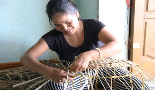 Nghề đan bèo tây xuất ngoại ở Ninh Bình - ảnh 1