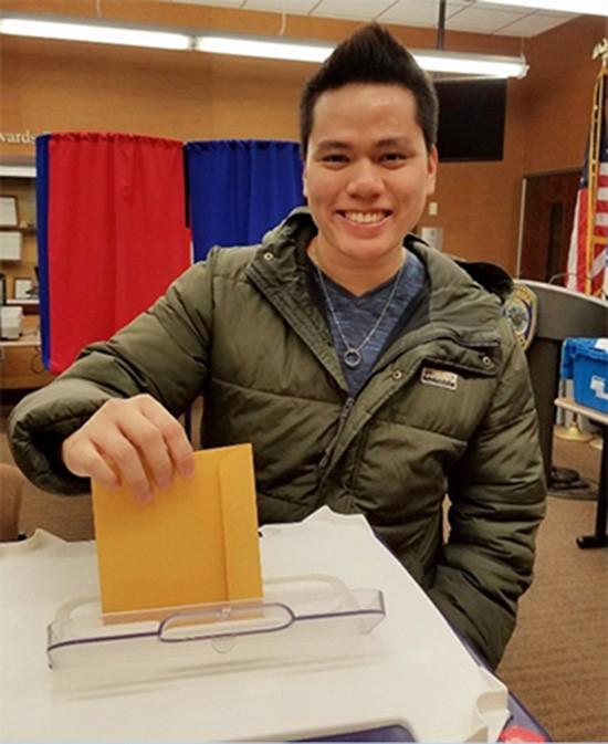Chàng trai gốc Việt kể chuyện lần đầu đi bầu tổng thống Mỹ - ảnh 1