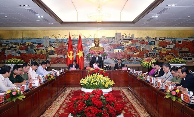 Thủ tướng đề nghị các nhà đầu tư nói phải đi đôi với làm - ảnh 1