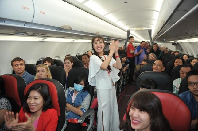 Chuyện nữ doanh nhân 'náo động' thị trường hàng không thế giới - ảnh 1