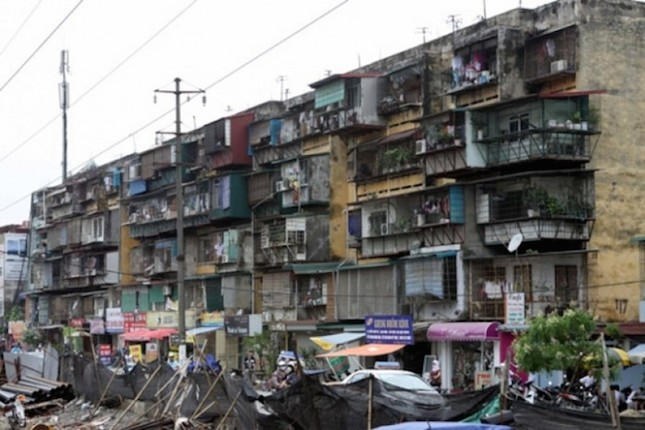 1,5 tỷ đồng, chọn nhà tập thể nội đô hay chung cư cao cấp ngoại ô? - ảnh 1