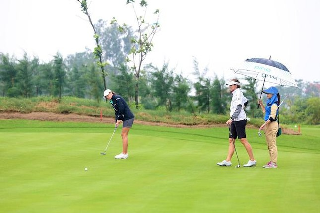 Gôn thủ chuyên nghiệp Mỹ nói về sân FLC Samson Golf Links - ảnh 1