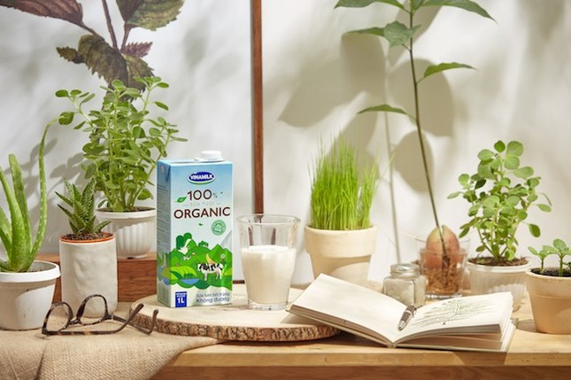 Vinamilk ra mắt sữa tươi 100% Organic đầu tiên sản xuất tại Việt Nam - ảnh 2