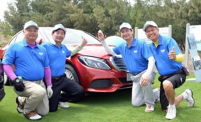 Cú hole-in-one 7 tỷ tại FLC Golf Championship 2017 - ảnh 2