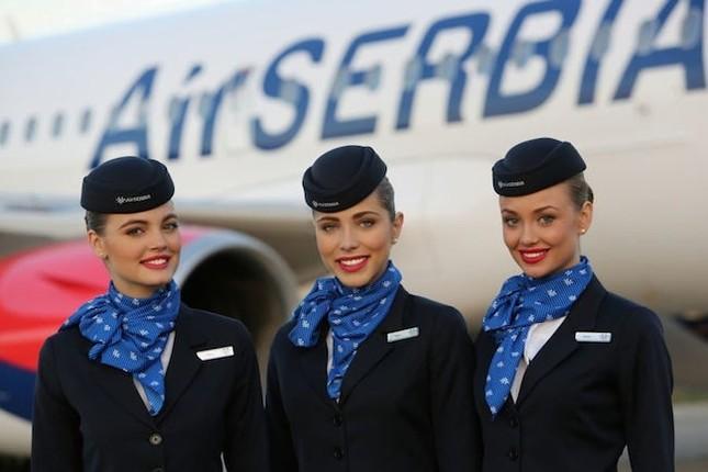 5 Hãng hàng không có tiếp viên quyến rũ nhất thế giới - ảnh 2