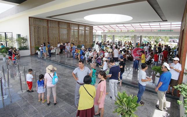 FLC Zoo Safari thu hút hàng ngàn lượt khách - ảnh 1