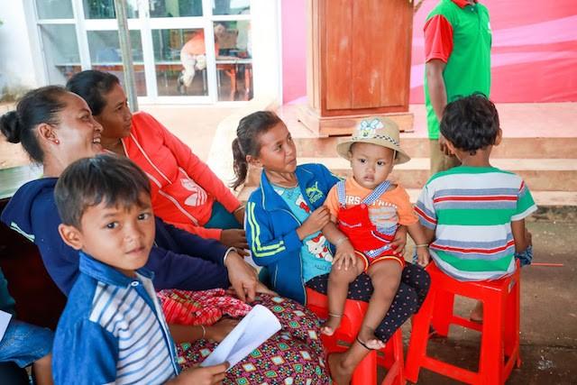 2200 trẻ em Bình Phước được khám sàng lọc tim miễn phí - ảnh 4