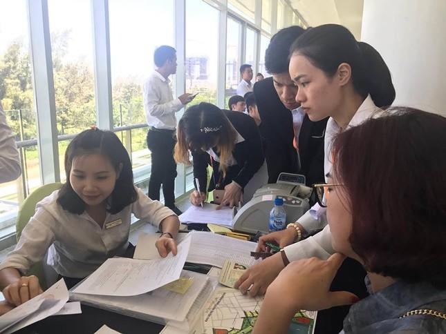 Nhà đầu tư chen chúc mua đất nền khu Nam Đà Nẵng - ảnh 2