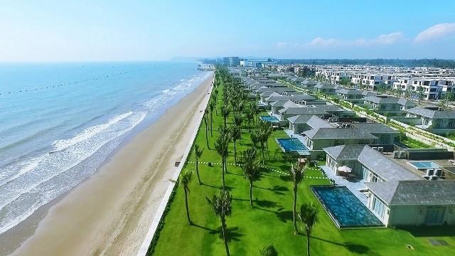 """Kinh nghiệm nghỉ resort 5 sao """"giá hời"""" tại Sầm Sơn - ảnh 1"""