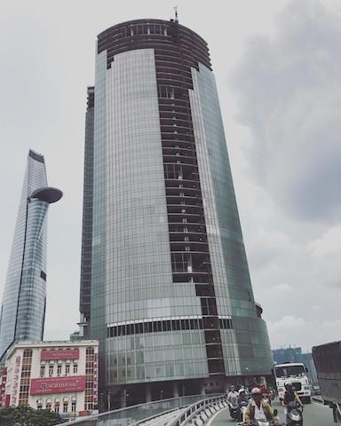 Sau khi bị siết nợ, tòa nhà cao thứ 3 Sài Gòn vẫn chưa thể đấu giá               - ảnh 1