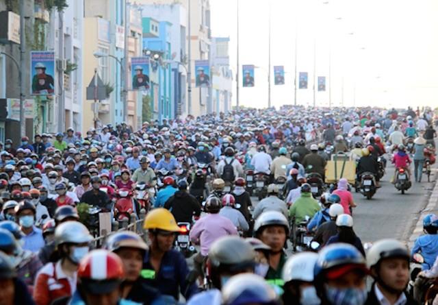 Cao ốc Sài Gòn đang 'bóp nghẹt' giao thông - ảnh 2