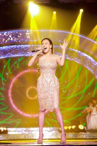 Nhà báo Lại Văn Sâm tái xuất sân khấu Sao Mai đêm gala 20 năm - ảnh 4