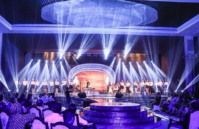 Nhà báo Lại Văn Sâm tái xuất sân khấu Sao Mai đêm gala 20 năm - ảnh 5