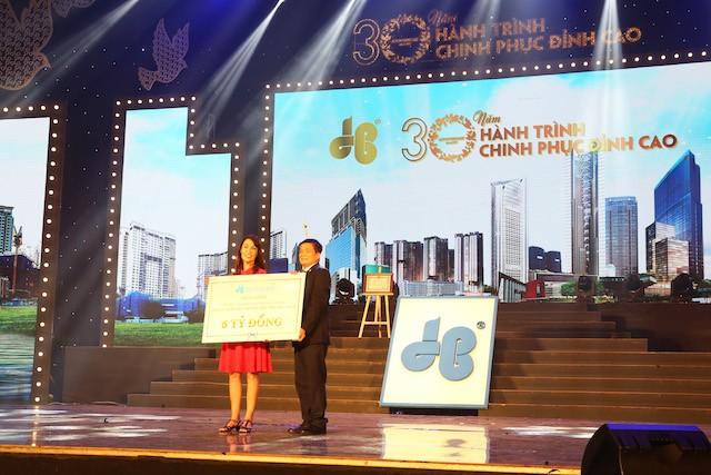 Tập đoàn Xây dựng Hòa Bình đón nhận Huân chương Lao động hạng Nhì - ảnh 2