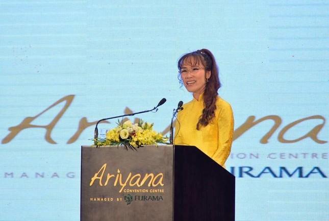 Thủ tướng cắt băng khánh thành Trung tâm hội nghị quốc tế lớn nhất Việt Nam - ảnh 3