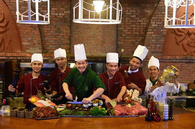 Bếp trưởng '5 sao' bật mí chuyện nấu nướng cho đại biểu APEC ăn thật ngon - ảnh 1