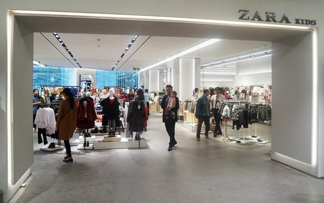 Nhãn hàng thời trang lớn 'đổ bộ', doanh nghiệp Việt có bị mất sân? - ảnh 1