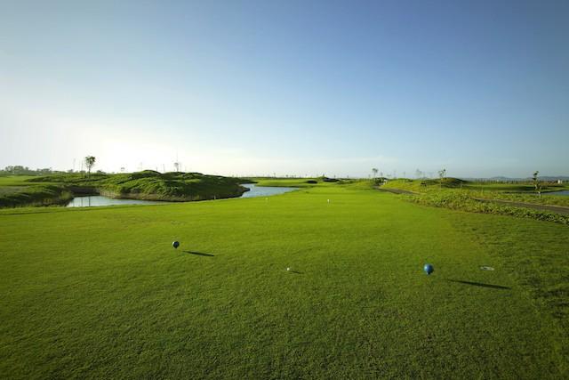 Giải thưởng kỷ lục với 50 xe sang tại FLC Golf Championship 2018 - ảnh 1