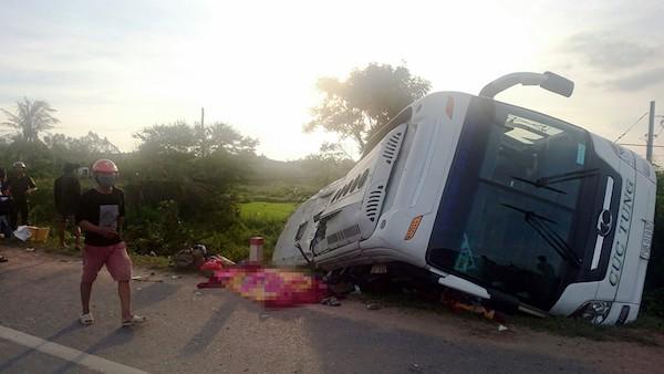 Xe Cúc Tùng đụng xe đầu kéo, 2 người chết, nhiều người bị thương - ảnh 2